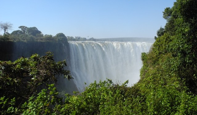 A Tale of Two Cities: Livingstone, Zambia and Victoria Falls, Zimbabwe